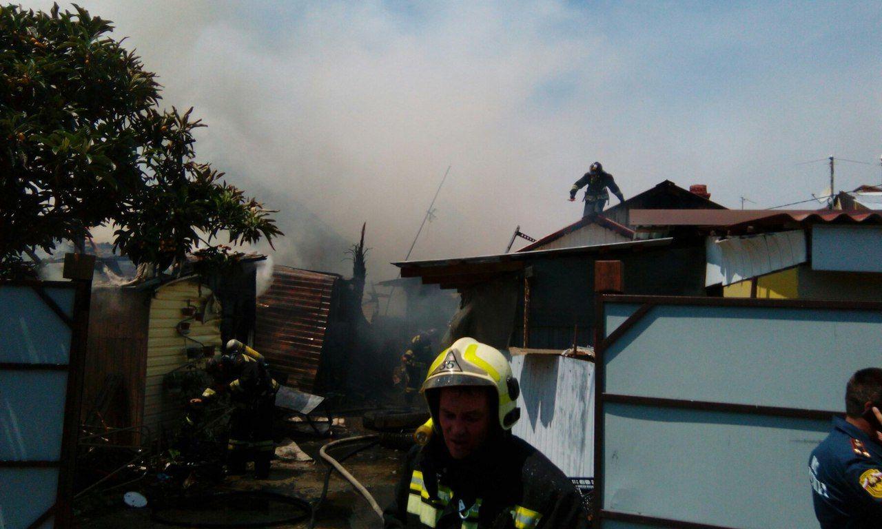 ВСочи произошел пожар в личном доме наплощади 100 кв м