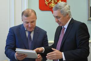 Мурат Кумпилов и Эдип Гафаров ©Фото пресс-службы главы Республики Адыгея