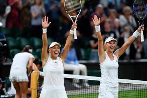 Елена Веснина и Екатерина Макарова ©Фото из аккаунта Уимблдонского турнира в Twitter, twitter.com/Wimbledon