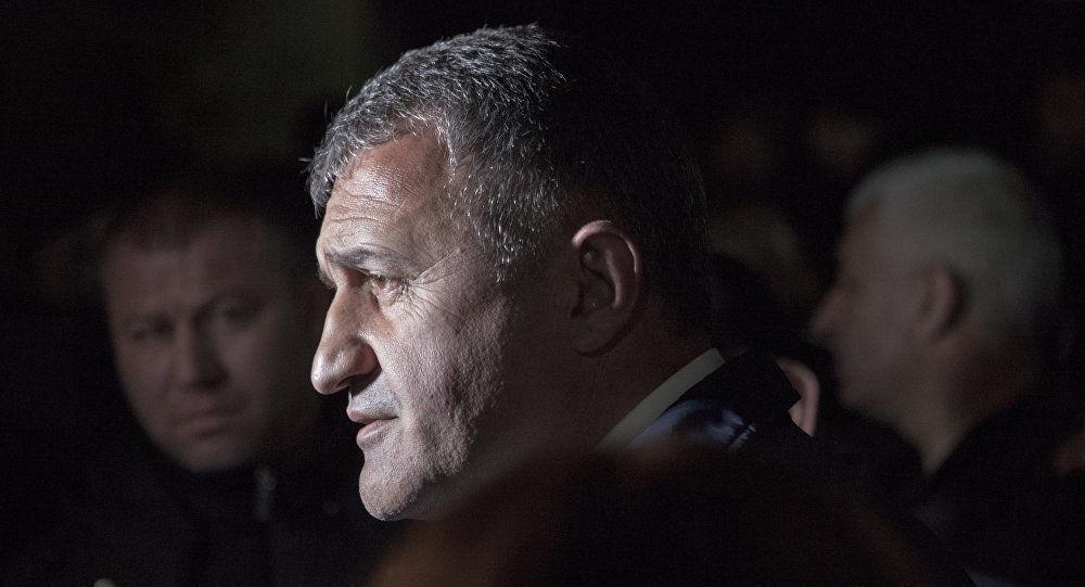 Путин поздравил Бибилова свступлением вдолжность президента Южной Осетии