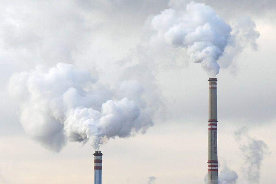 Аксенов поручил закрыть химический завод вАрмянске, где произошел выброс