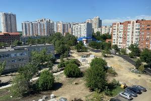 Школьный бульвар ©Фото Валерии Дульской, Юга.ру