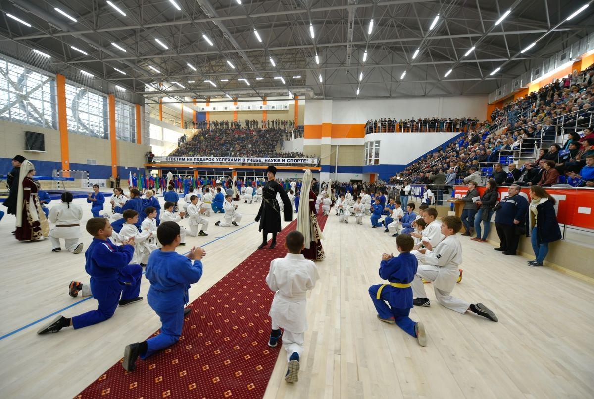 Спорткомплекс для дзюдо вчесть олимпийского чемпиона Невзорова открыли вАдыгее