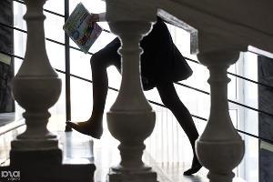 Ученица школы-интерната для одаренных детей им. В. Г. Захарченко спешит на урок. Краснодар, 10 января ©Фото Юга.ру