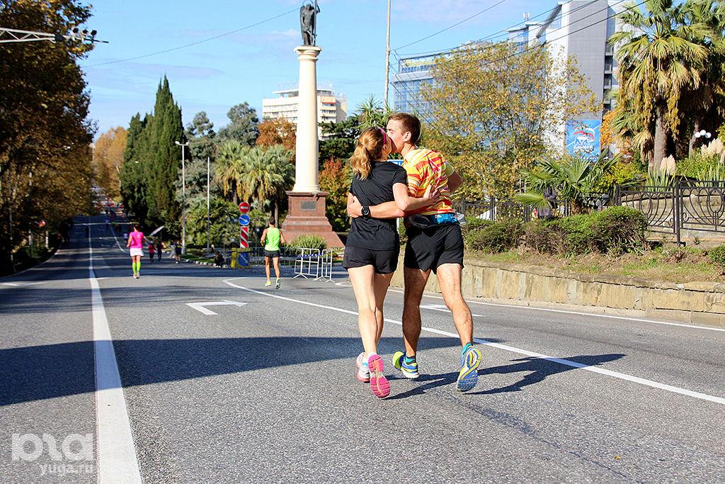 В Сочи прошел первый международный марафон, фото Марии Спиридоновой ©Фото Юга.ру