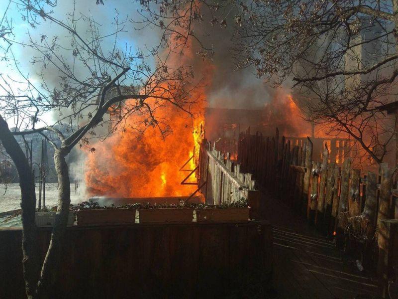 ВЯлте пожар навсе 100% уничтожил известное кафе