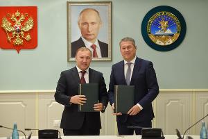 Мурат Кумпилов и Радий Хабиров ©Фото пресс-службы главы Республики Адыгея