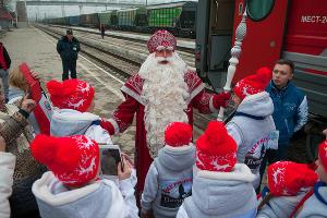 Дед Мороз из Великого Устюга посетил Ингушетию ©Елена Синеок, ЮГА.ру