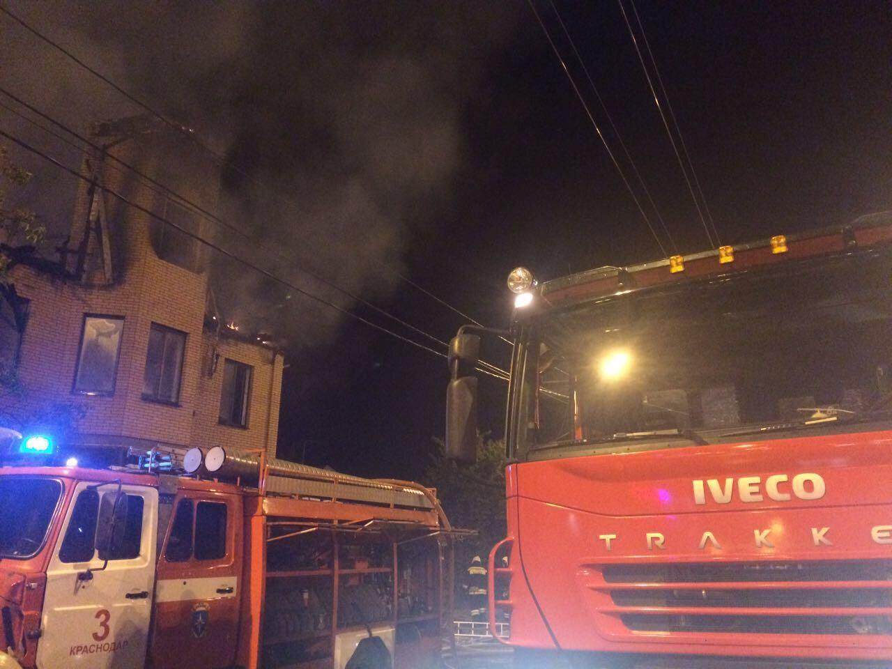 Пожар вКраснодаре поломал два дома