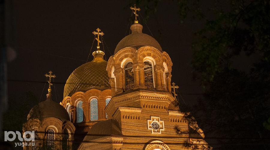 Пасха в Свято-Екатерининском кафедральном соборе (Краснодар) ©Михаил Ступин, ЮГА.ру