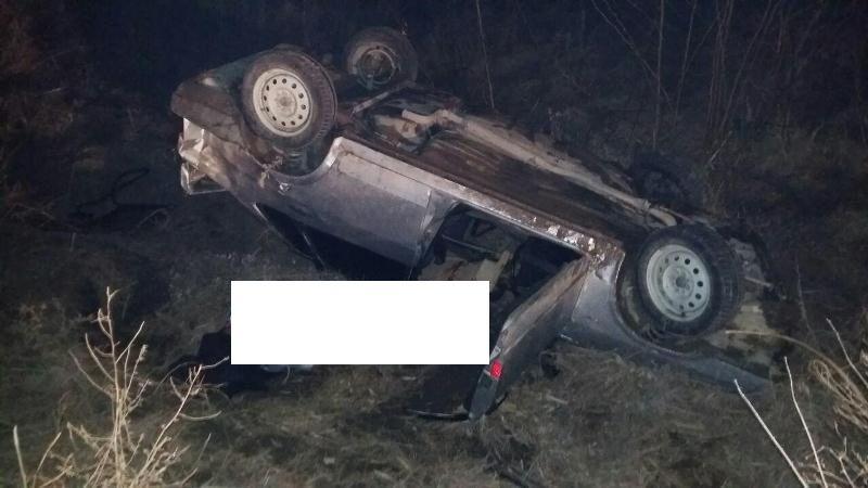 ВПредгорном районе Ставрополья перевернулся ВАЗ, один умер итрое пострадали