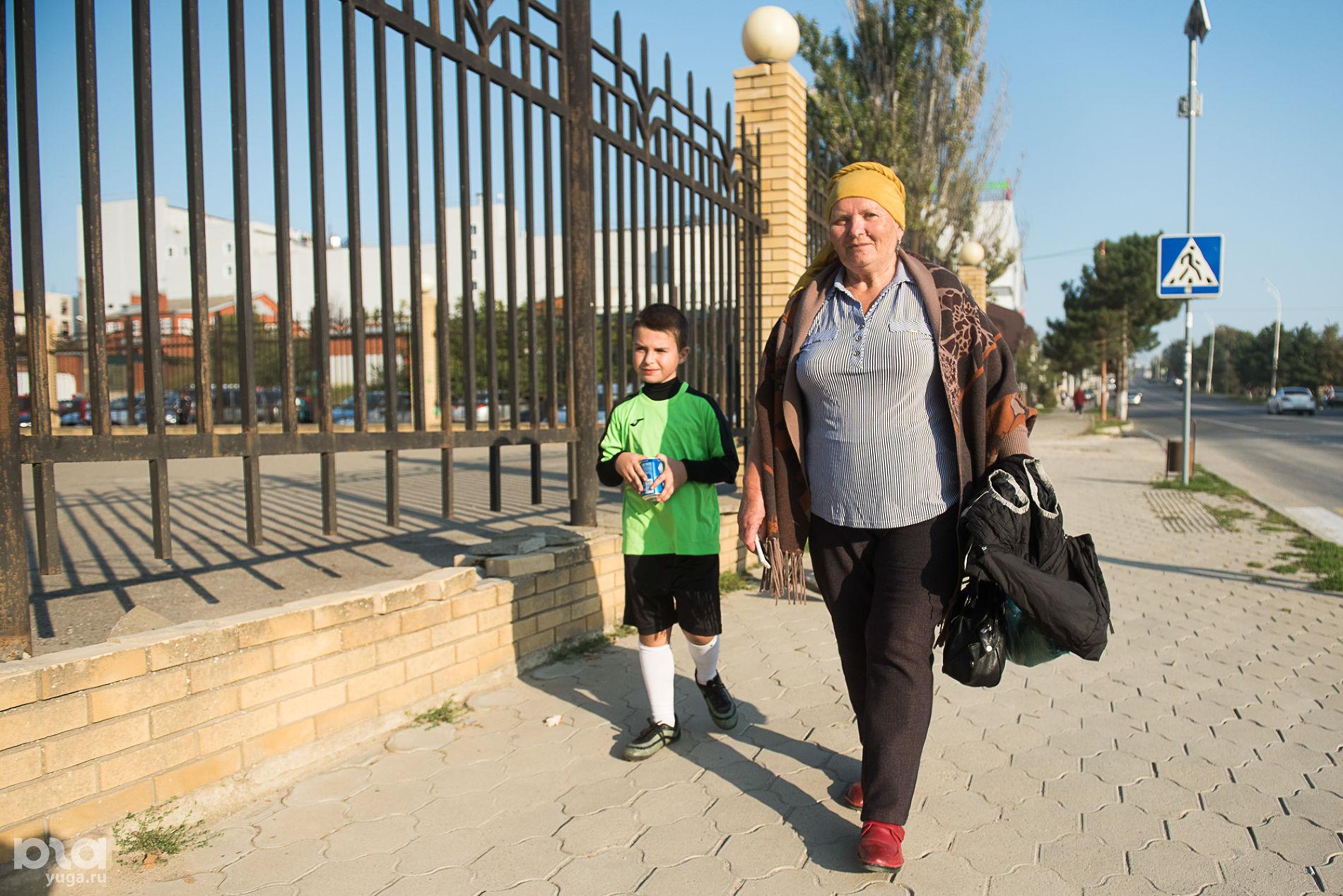 Светлана Васильевна с внуком ©Фото Елены Синеок, Юга.ру
