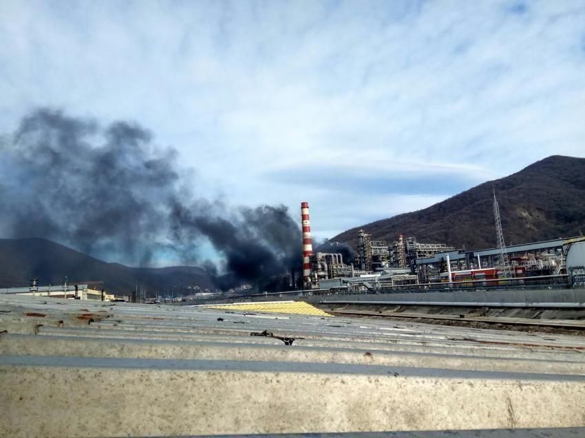 Пожар нанефтезаводе произошел вКраснодарском крае