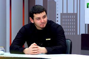 ©Кадр из видео «ГТРК Грозный» в YouTube, youtube.com/channel/UCsH_9D5BhyV27YkgjIW_N2Q