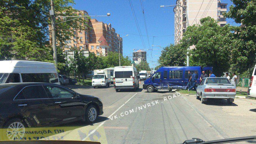 ВНовороссийске 5 человек пострадали вДТП сучастием легковушки имаршрутки