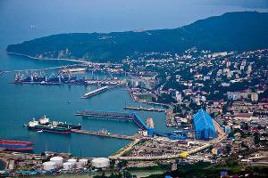 Туапсинский морской торговый порт ©Фото с сайта tmtp.ru