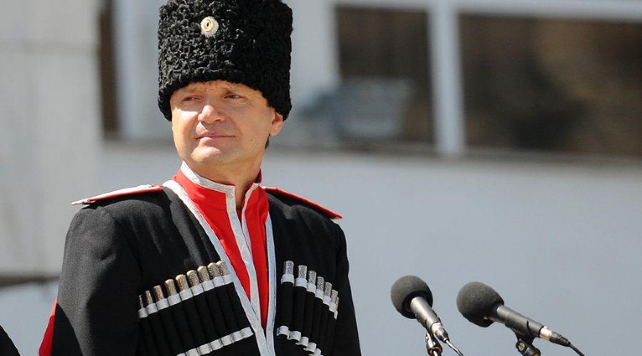 Александр Ткачев в форме казачьего полковника ©Елена Синеок. ЮГА.ру