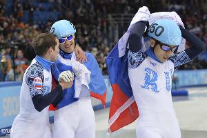 Сборная России по шорт-треку завоевала золото в эстафетной гонке ©РИА Новости