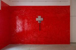 Выставка Виталия Безпалова «BBBB DDDD» в «Лестнице», Краснодар, 28 апреля 2019 ©Фото с сайта tzvetnik.online