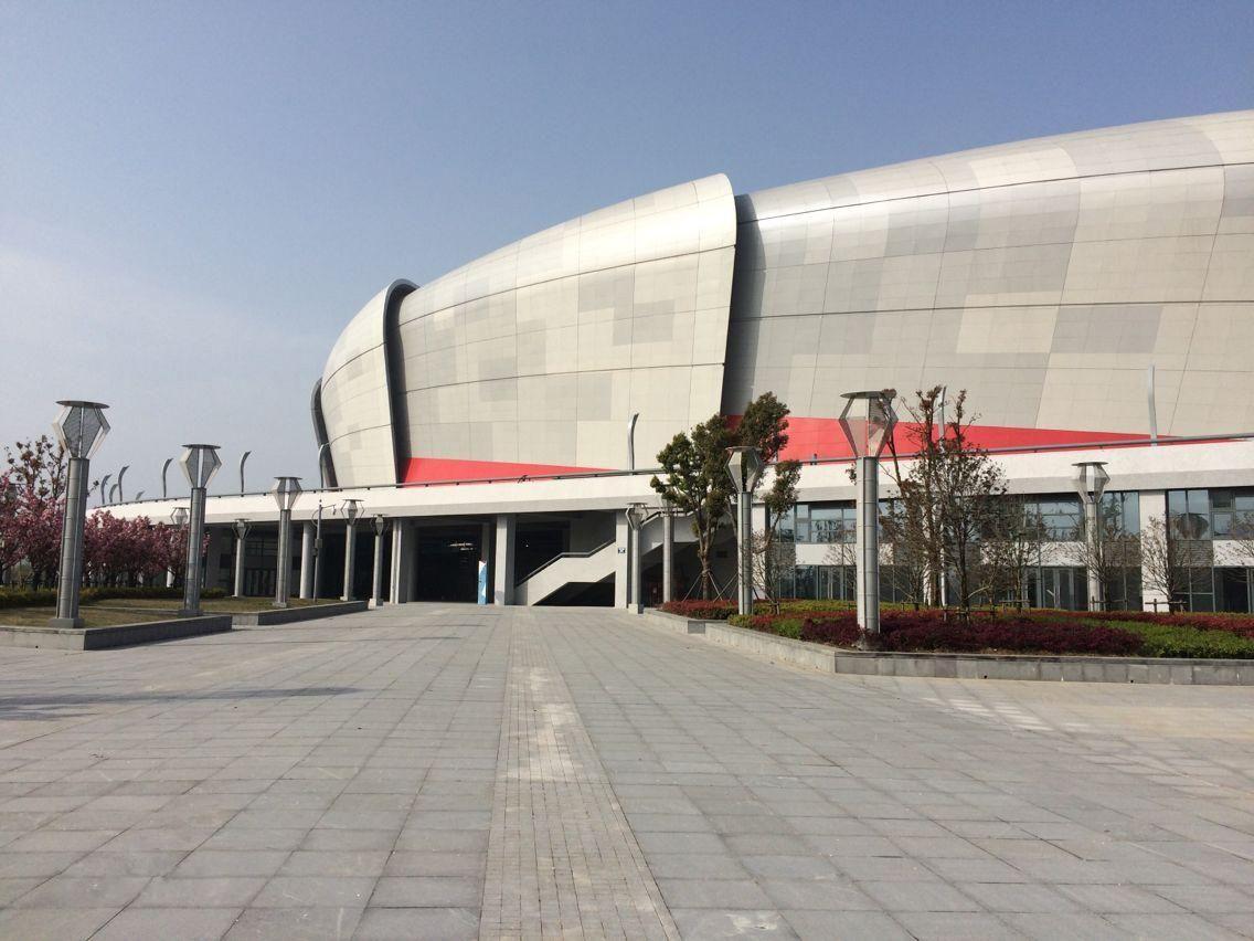 Стадион спортивного центра Яньчэна (Яньчэн) ©Фото baidu.com