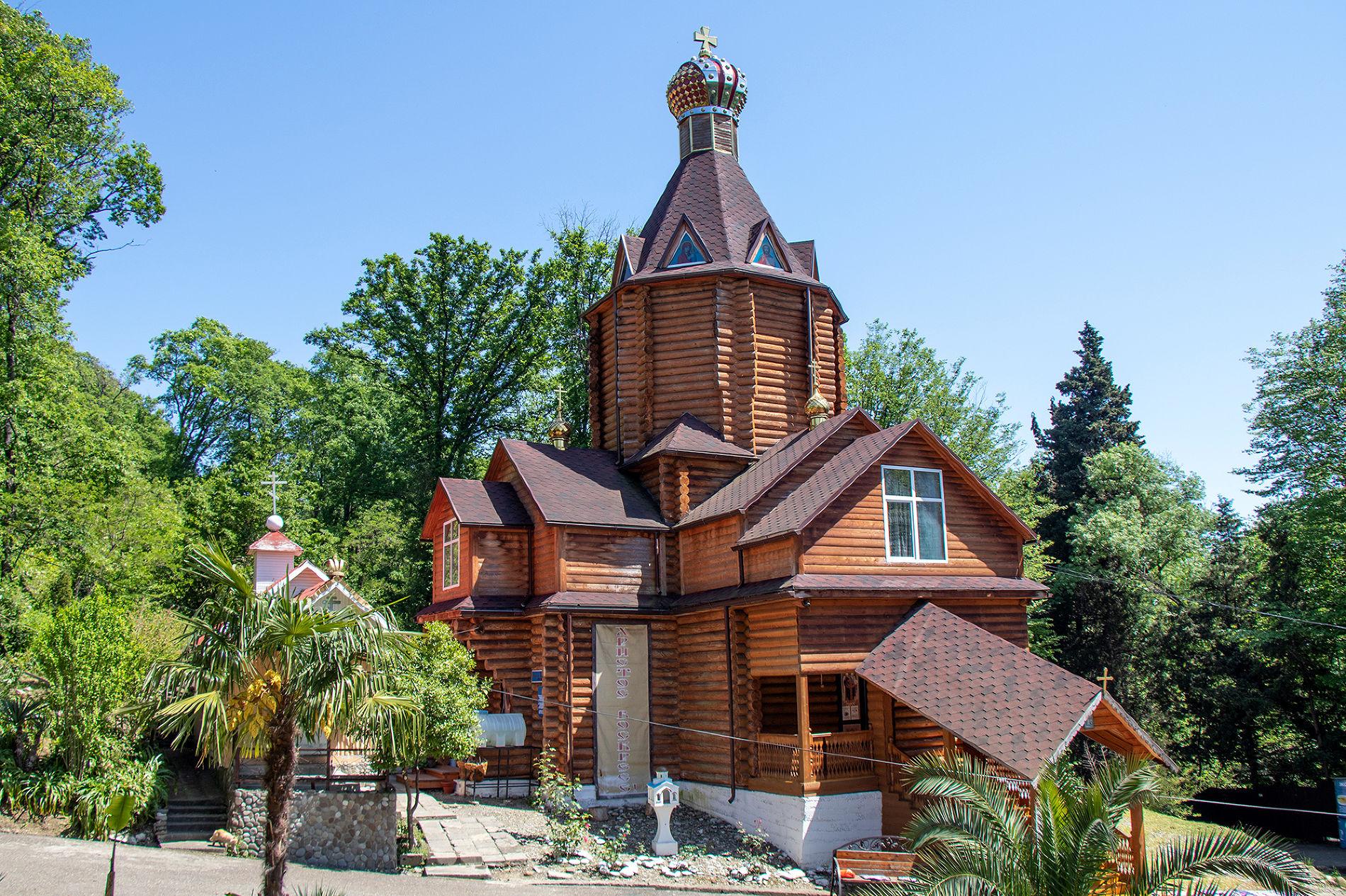 Церковь у крепости Багу ©Фото Екатерины Штыбиной