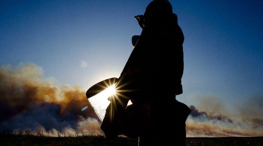Могукоровка. Пятые сутки пожара ©Фото Каси Кульковой, группа «Добровольные пожарные Кубани»