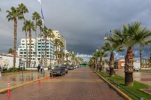 Морская набережная Финикудес, Ларнака, Кипр ©Фото Александра Савина, commons.wikimedia.org