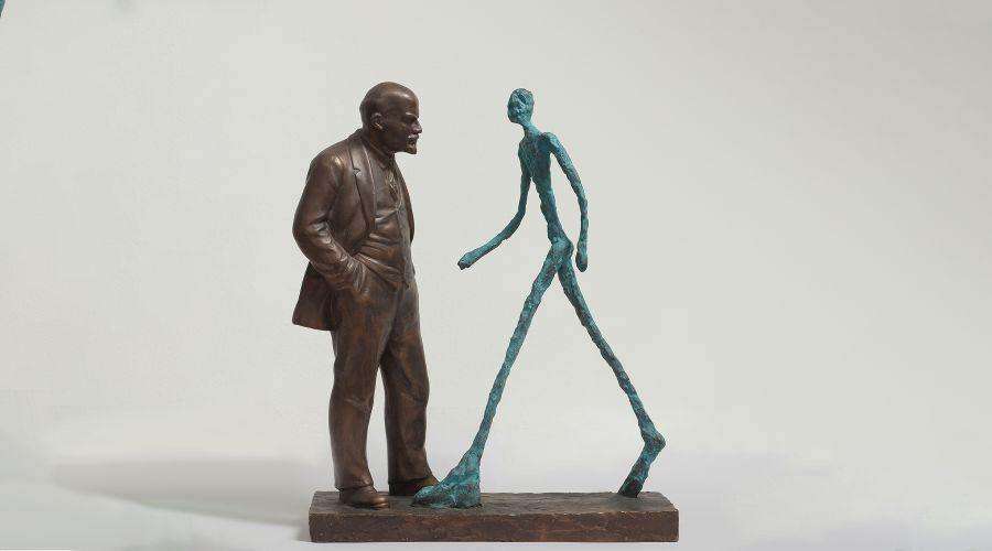 Леонид Соков «Встреча двух скульптур. Ленин и Джакометти» ©Фото с сайта vladey.net