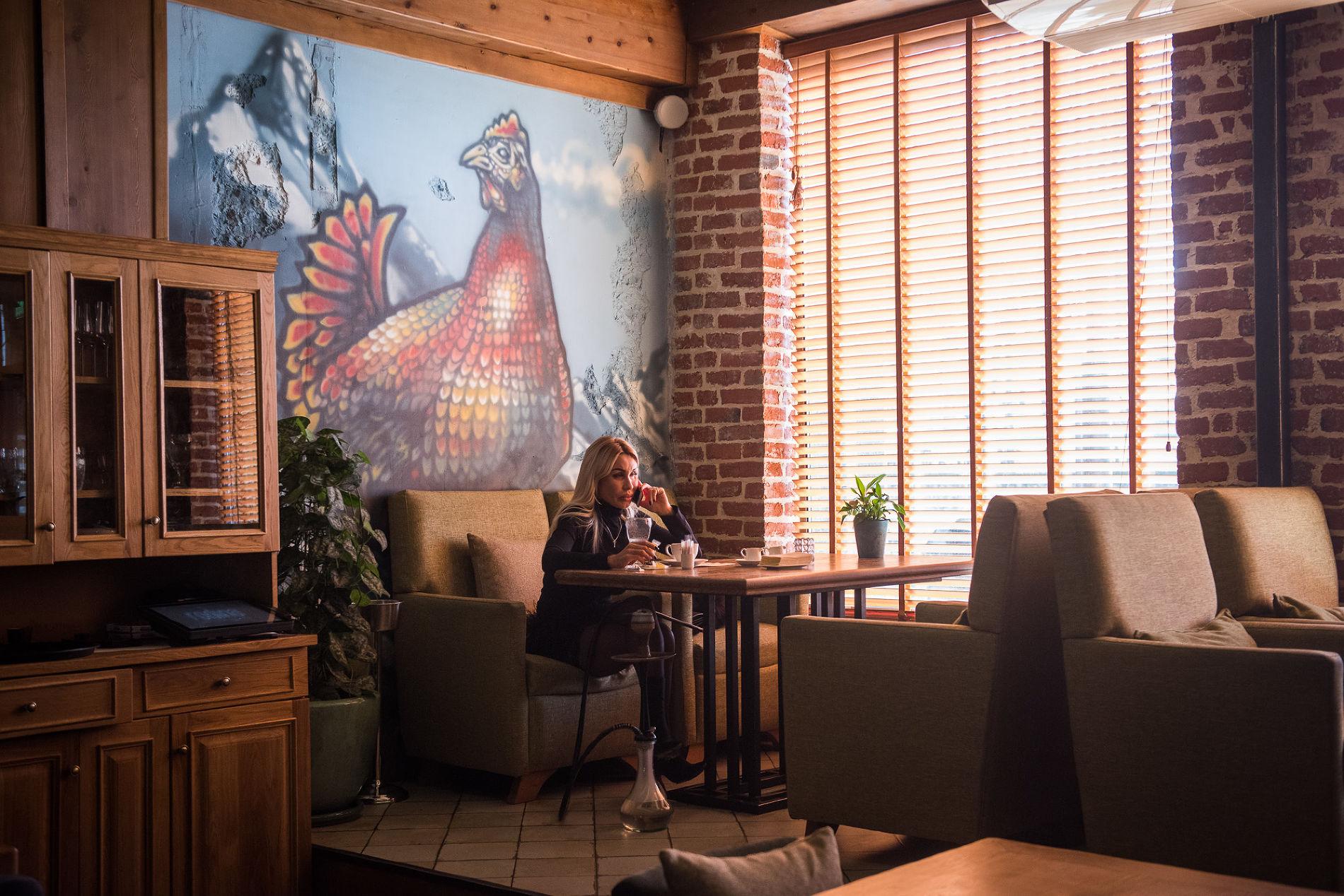 Роспись Саши Maslo в ресторане «Rodina южной кухни» ©Фото Елены Синеок, Юга.ру