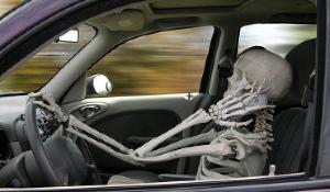 Разговор по телефону снижает уровень внимания водителя на 15–20%, а набор сообщений в соцсетях — на 30–35%