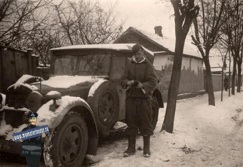 Немецкий солдат на улице Краснодара, зима 1942/1943 года ©Фото с сайта myekaterinodar.ru