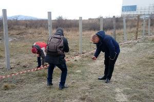 Комиссия обследует территорию в районе Прилагунья ©Фото Татьяны Трибрат