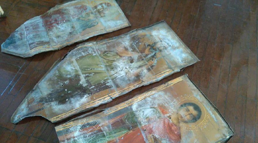 На крыше школы в станице Фастовецкой нашли древние иконы ©Фото пресс-службы администрации Тихорецкого района