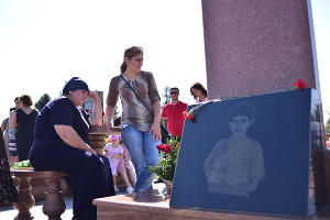 Траурные мероприятия в память о жертвах захвата школы в Беслане ©Антон Подгайко, ЮГА.ру