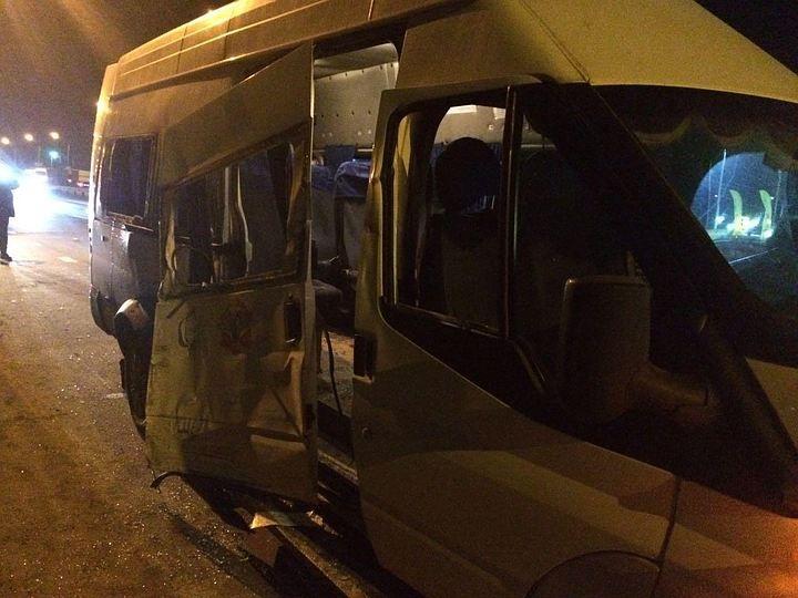 Под Ростовом после столкновения автобуса имаршрутки умер мужчина