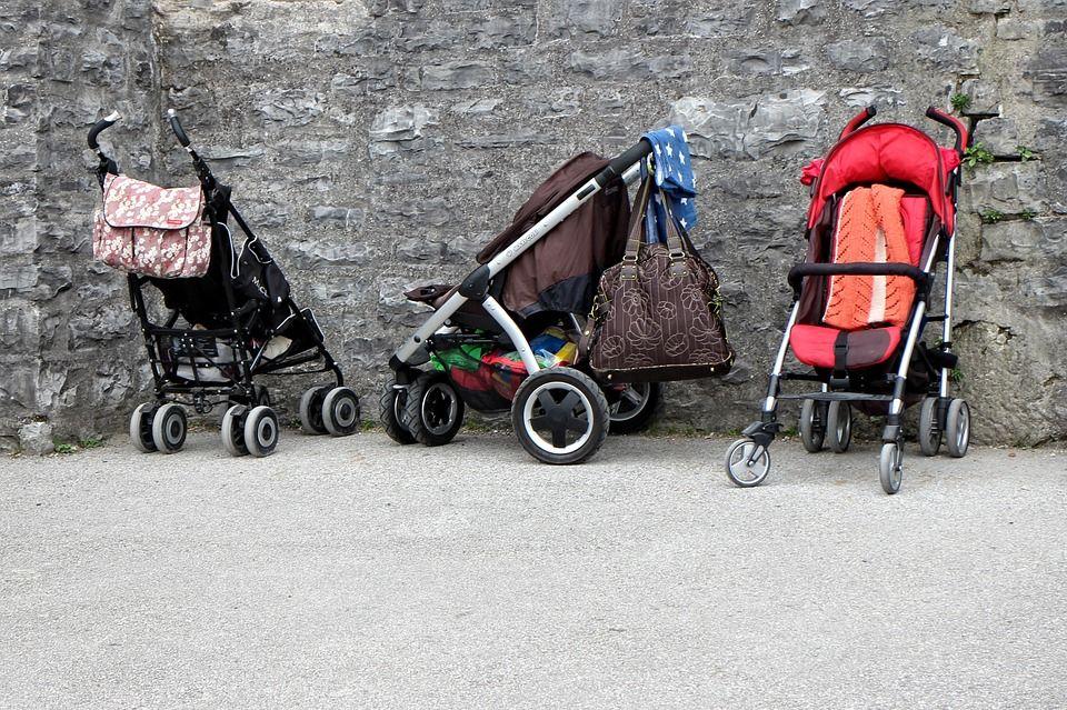 ВНовороссийске местный гражданин поджигал детские коляски