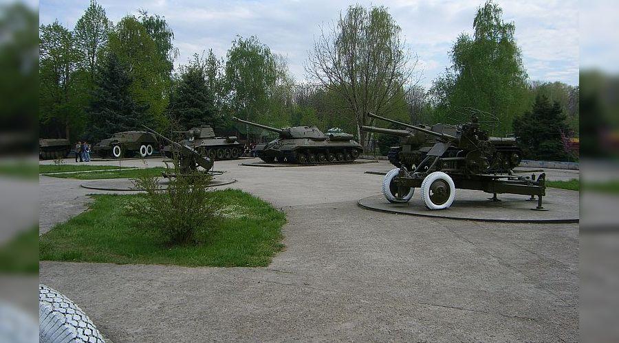 Парк 30-летия Победы в Краснодаре, военная техника ©photo.qip.ru