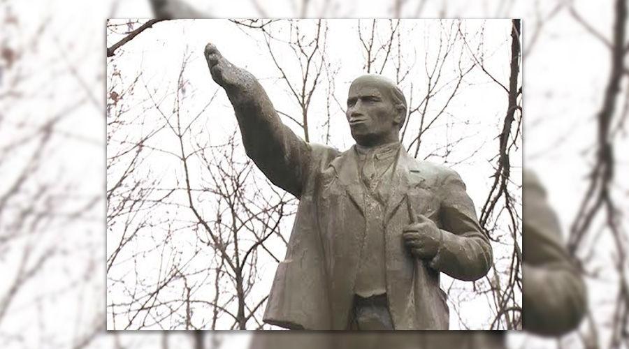 Памятник Ленину в ст. Новомышастовской ©Кадр из видео канала «Россия. Кубань», youtube.com/KubantvRu