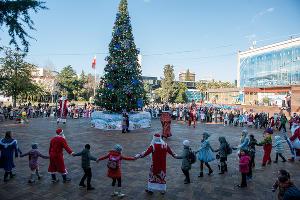 Парад Дедов Морозов в Сочи — 2014 ©Фото Нины Зотиной, Юга.ру