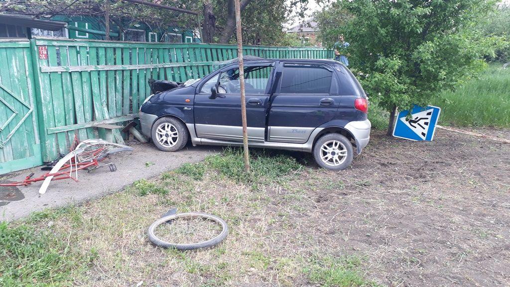 ВТихорецке случилось ДТП сучастием 2-х легковых автомобилей ивелосипеда
