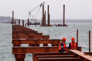 Строительство Керченского моста ©Влад Александров, ЮГА.ру