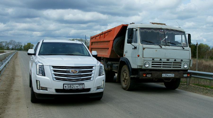 Cadillac Escalade ©Фото Юга.ру