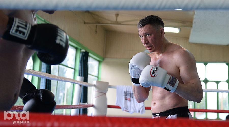 Тренировка по боксу Ника Мороза ©Михаил Ступин, ЮГА.ру