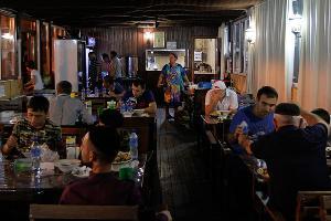 Бесплатная столовая в Грозном ©Влад Александров, ЮГА.ру
