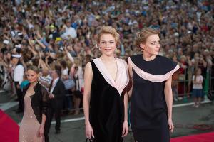 Екатерина и Дарья Носик на открытии фестиваля «Кинотавр» в Сочи  ©Фото Артура Лебедева, Юга.ру