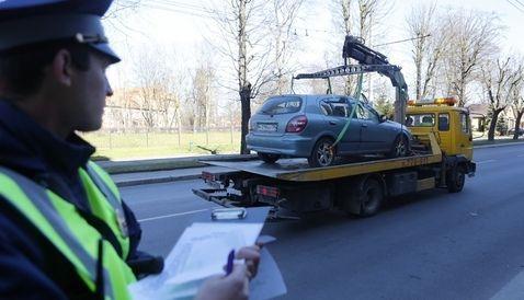 Ставрополец при помощи эвакуатора похитил чужую машину исдал еенаметаллолом