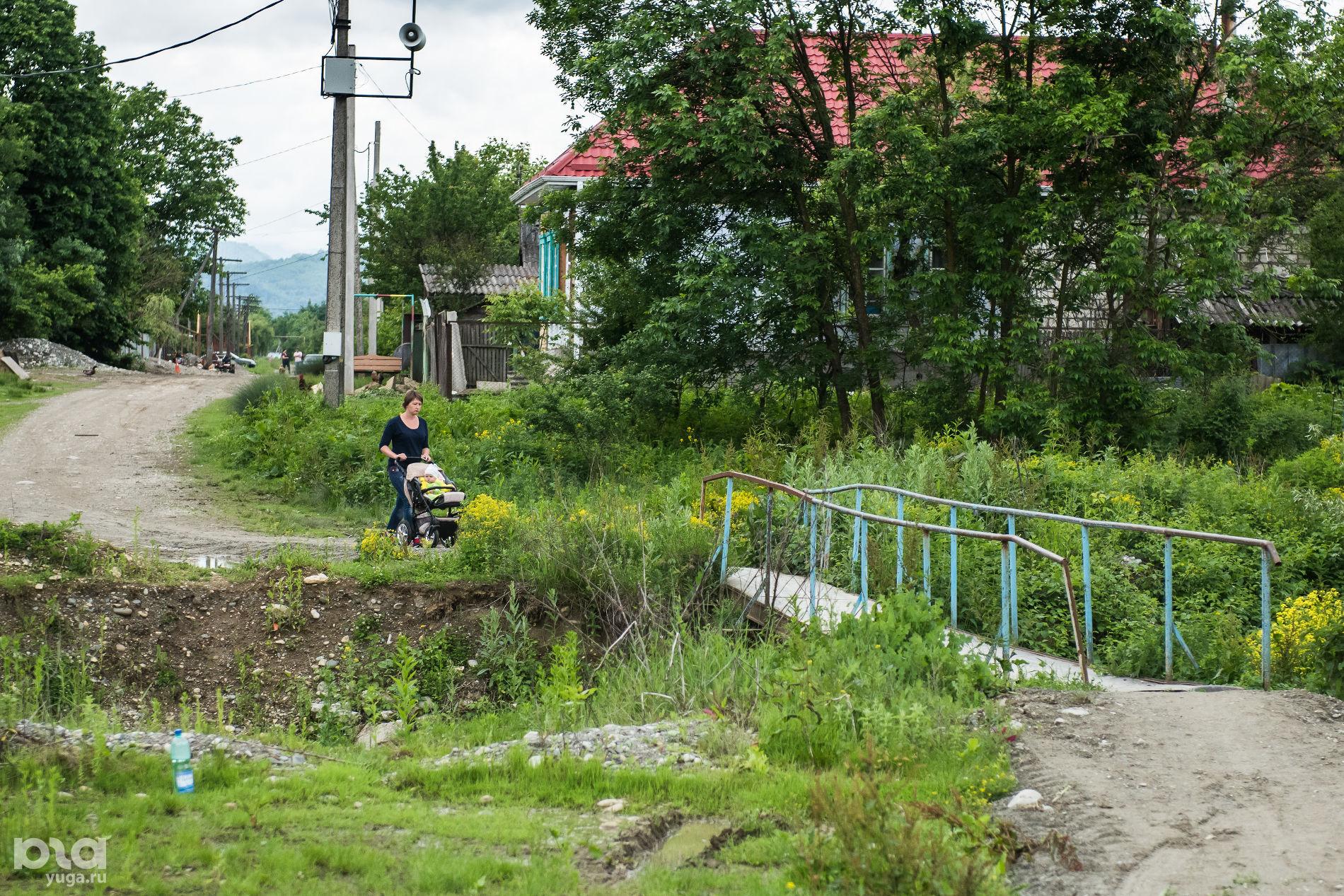 Переход через канал, неподалеку от которого была убита Наталья Дмитриева ©Фото Елены Синеок, Юга.ру
