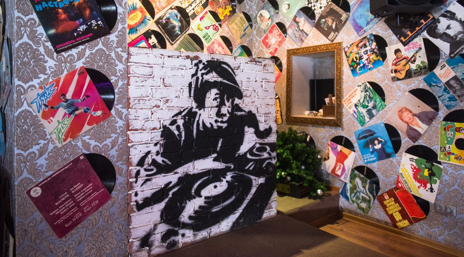 Роспись в кафе на Дальней, 2 ©Фото Елены Синеок, Юга.ру