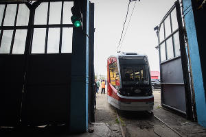 Новый трехсекционный трамвай «Витязь»  ©Елена Синеок, ЮГА.ру