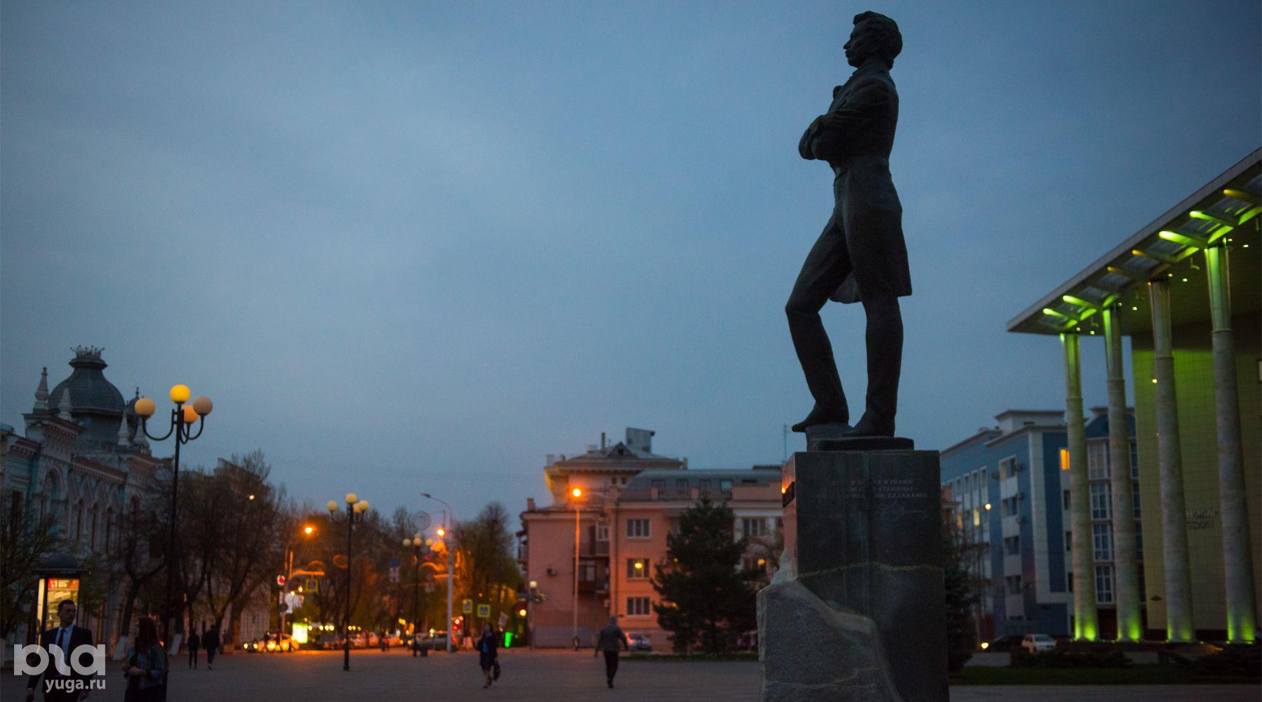 Пушкинская площадь ©Фото Елены Синеок, Юга.ру
